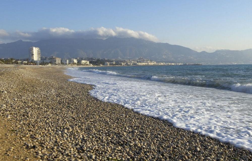 costa blanca alfas del pi playa de piedras bonita