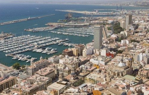 COSTA BLANCA ALICANTE Vista del puerto y la ciudad desde el Castillo