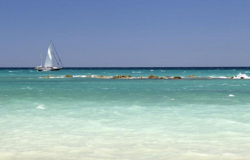 costa blanca altea mar y barco