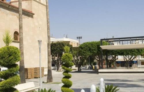 COSTA BLANCA LA VEGA BAJA BENEJUZAR Plaza de la iglesia