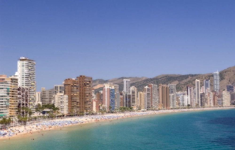 costa blanca benidorm edificios y playa