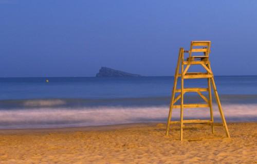 costa blanca benidorm silla socorrista noche