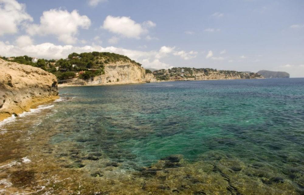 costa blanca benissa aguas azules y sol