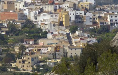 costa blanca benissa casitas e iglesia del pueblo