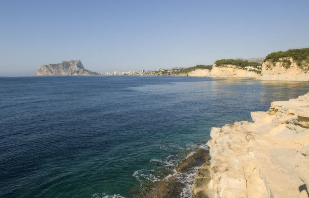 costa blanca benissa rocas y mar