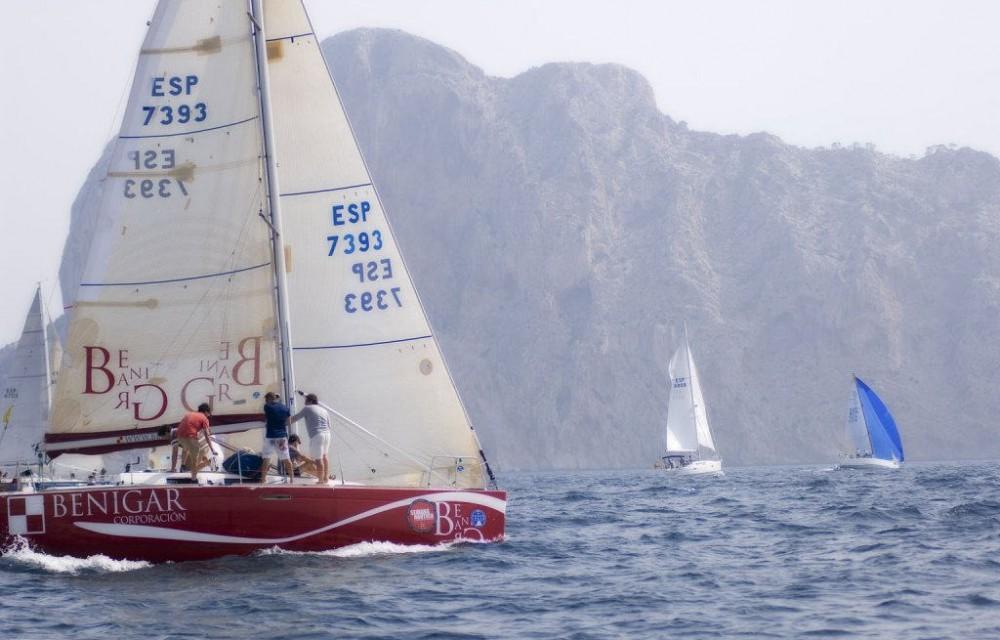 costa blanca calpe velero compitiendo
