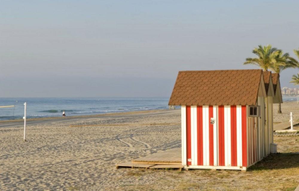 costa blanca campello casetas de madera coloridas