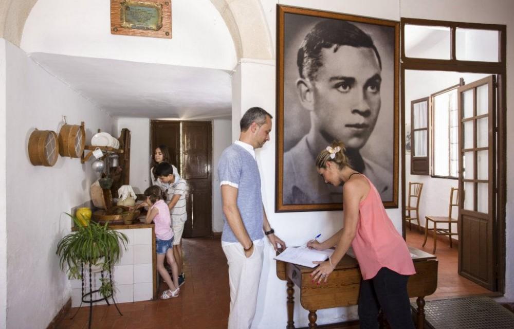 costa blanca casa museo miguel hernandez orihuela en familia