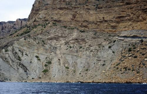 COSTA BLANCA CATAMARAN detalle de las piedras y rocas