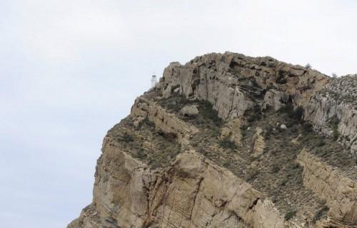 COSTA BLANCA CATAMARAN faro en la montaña