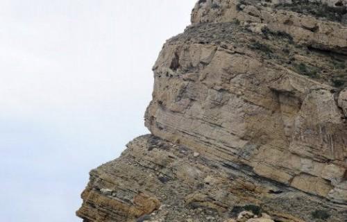 COSTA BLANCA CATAMARAN faro en lo alto de una montaña