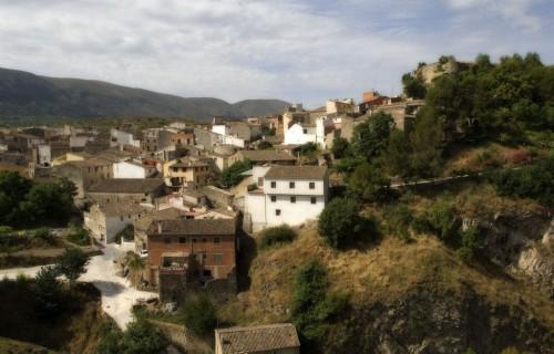 COSTA BLANCA EL COMTAT PLANES Vista de la localidad con la Sierra de la Almudaina al fondo