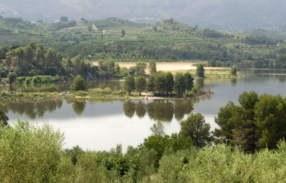 costa blanca comtat relajante embalse natural