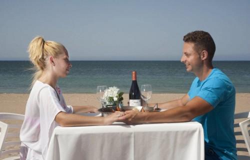 COSTA BLANCA DENIA comida en pareja en el mar