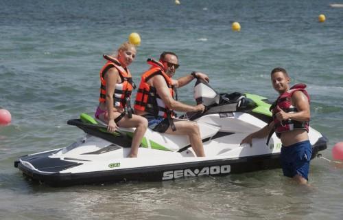 COSTA BLANCA DENIA familia en moto de agua