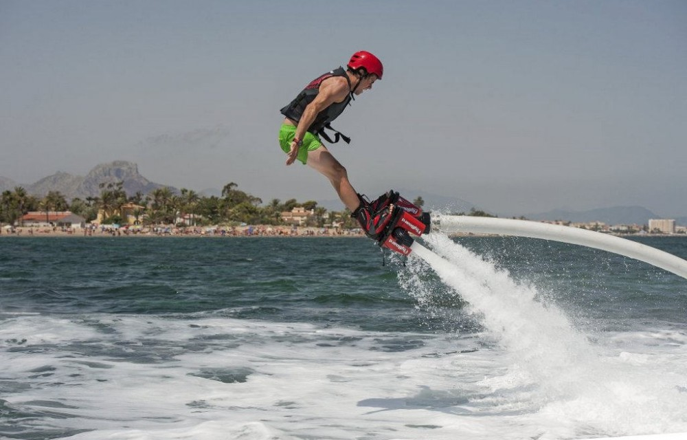 costa blanca denia flyboard en el mar