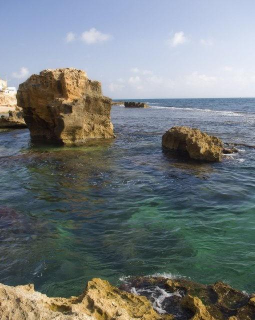 costa blanca denia impresionantes rocas sobre el mar