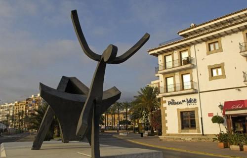 costa blanca denia mitica estatua del toro y torero