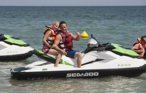 COSTA BLANCA DÉNIA pareja en moto de agua