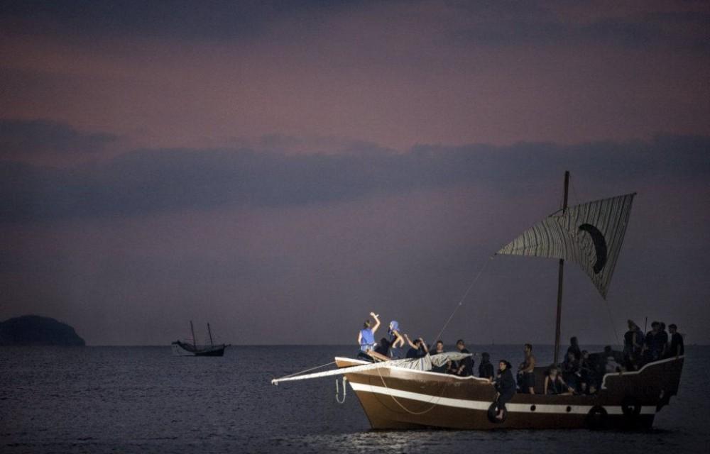 costa blanca desembarco la vila  barcos en la noche