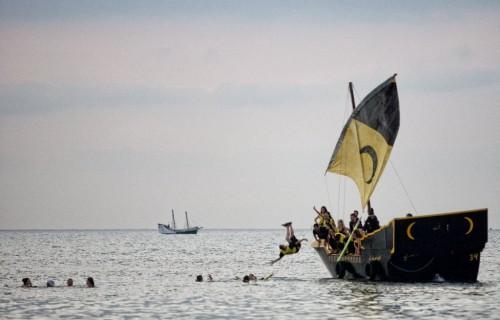 COSTA BLANCA DESEMBARCO LA VILA barco de la fiesta