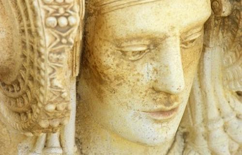 ELCHE Reproducción de la Dama de Elche en el yacimiento arqueológico de L´Alcudia