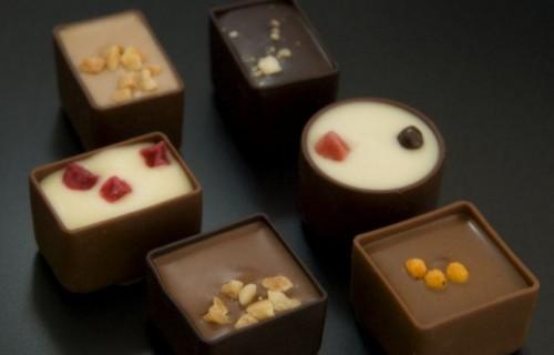costa blanca gastronomia variedad de bombones de chocolate