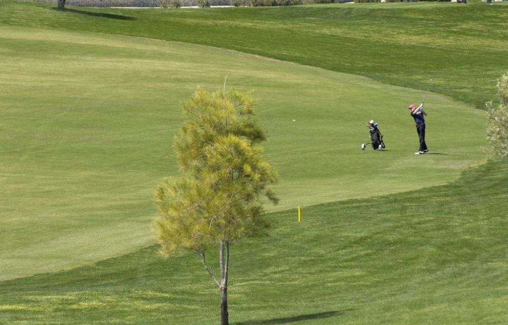 costa blanca golf la finca jugador golpeando