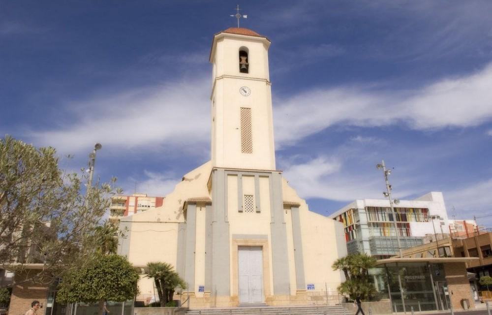 costa blanca guardamar bonita iglesia del pueblo