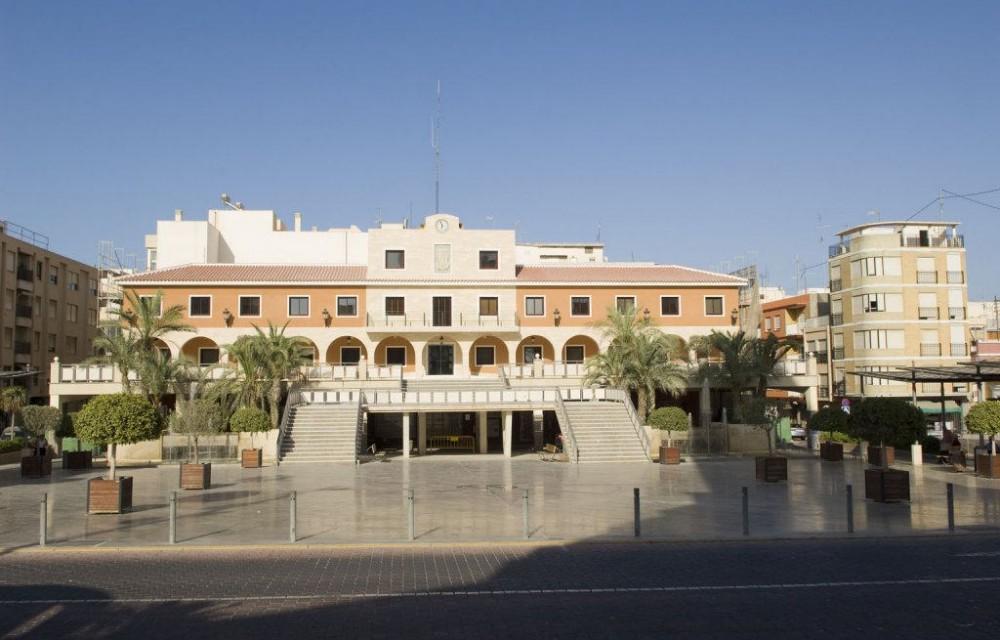 costa blanca guardamar preciosa plaza del ayuntamiento