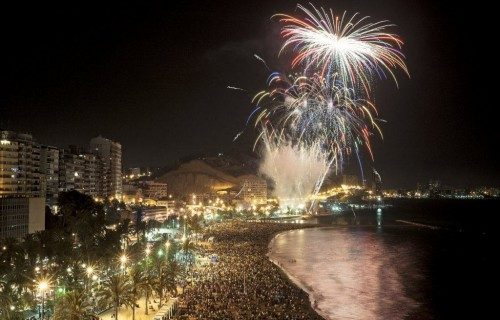 COSTA BLANCA ALICANTE HOGUERAS DE SAN JUAN fuegos vistos desde el postiguet