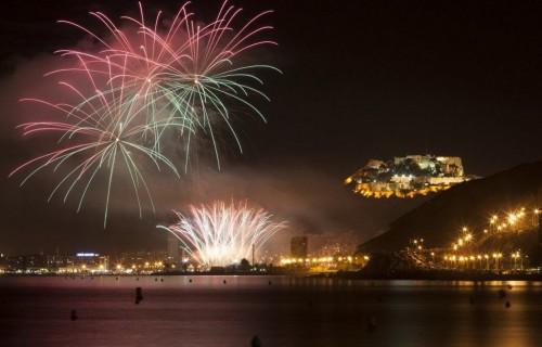 COSTA BLANCA ALICANTE HOGUERAS DE SAN JUAN fuegos de noche increibles