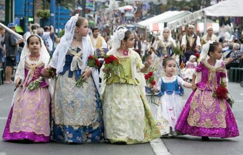 COSTA BLANCA ALICANTE HOGUERAS DE SAN JUAN niñas pequeñas belleas