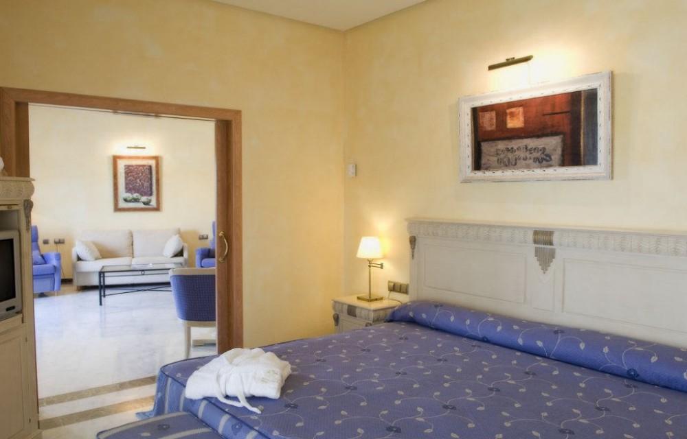 costa blanca hotel montiboli villajoyosa habitacion alegre luminosa