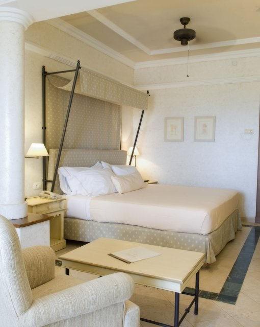 costa blanca hotel villa aitana benidorm precioso dormitorio