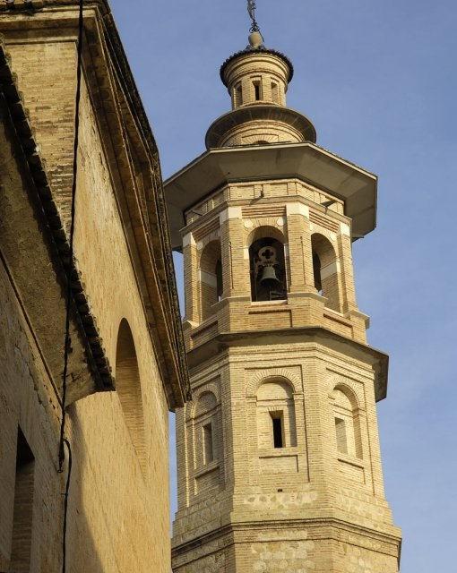costa blanca jalon torre de la iglesia de santa maria atardecer