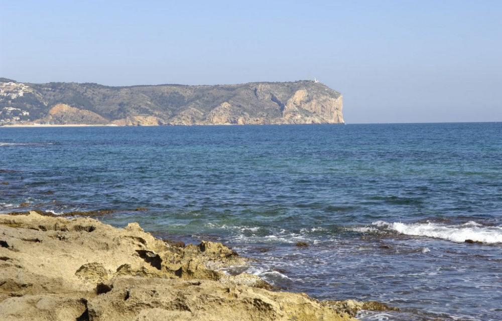 costa blanca javea cala con vistas al cabo san antonio