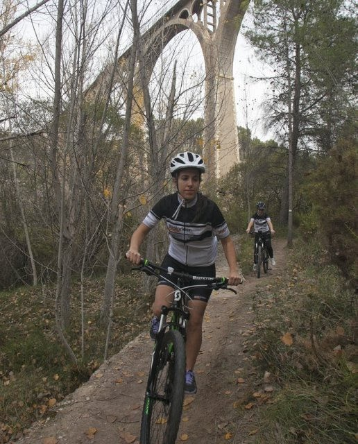 costa blanca jornadas nico terol ciclista en acueductos