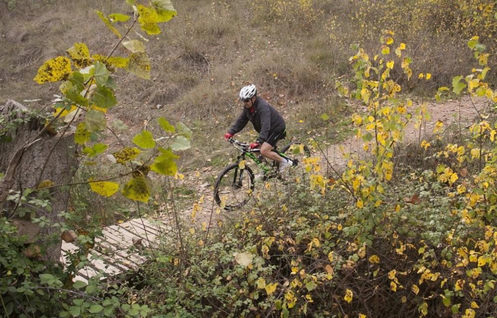 costa blanca jornadas nico terol ciclista en el puente de madera