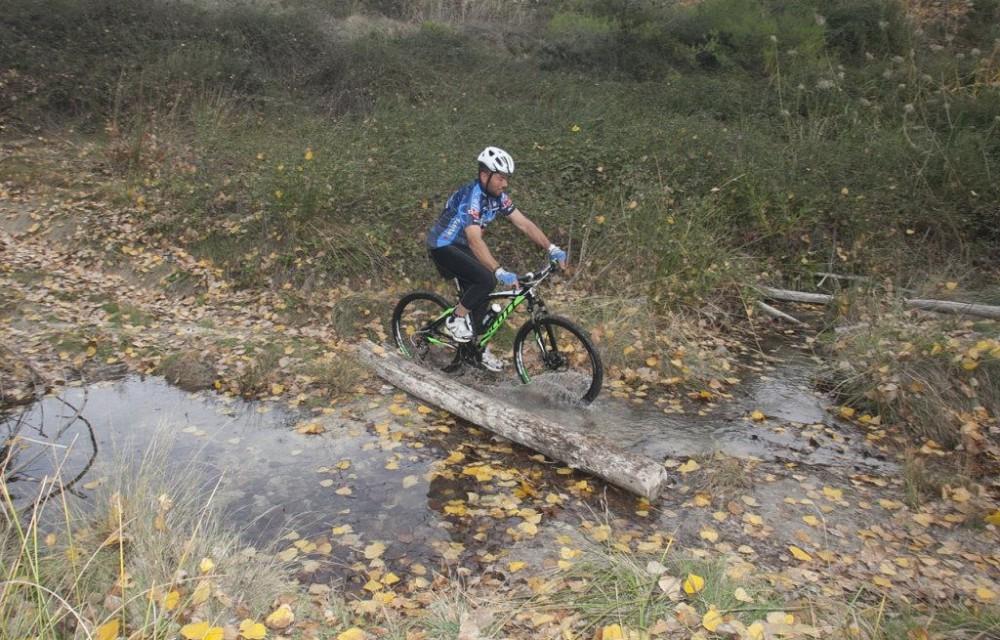 costa blanca jornadas nico terol ciclista que atraviesa agua
