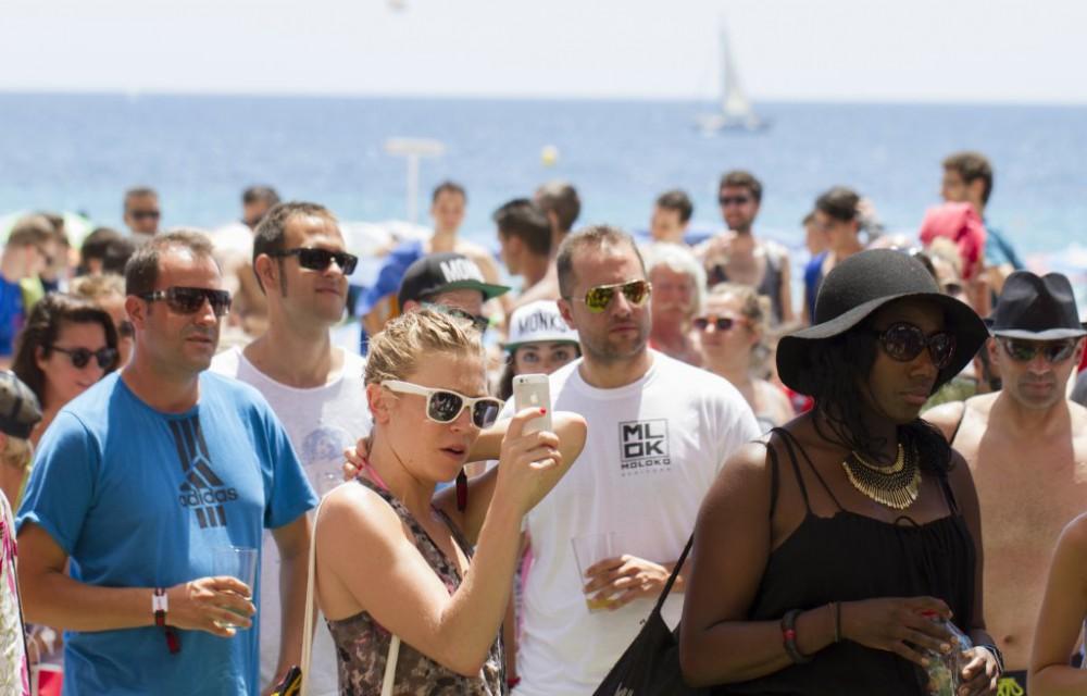 costa blanca low festival gente por la manana
