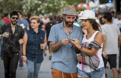 Low festival 2014 pareja que esta caminando