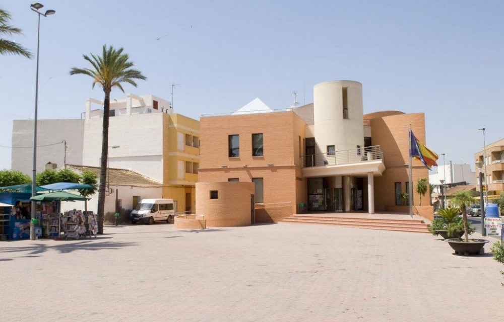 costa blanca montesinos moderna plaza del ayuntamiento