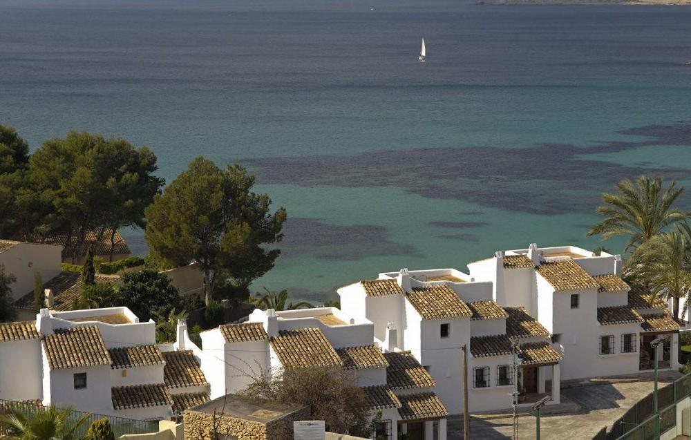 costa blanca moraira bonita imagen del mar desde el pueblo
