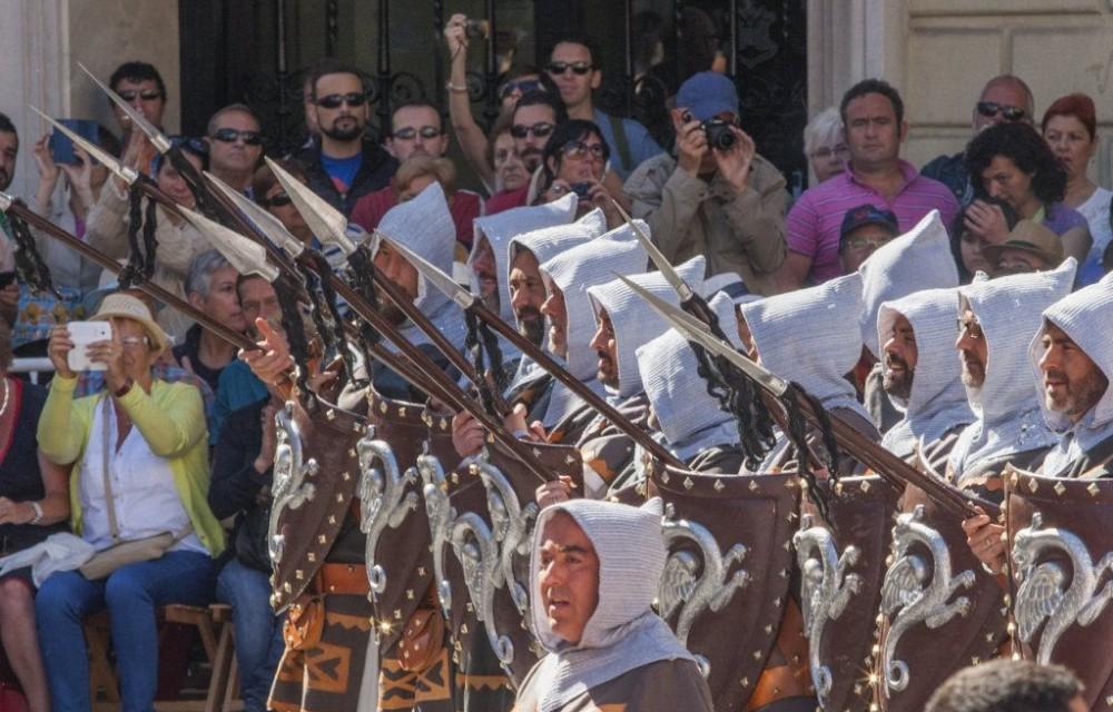 costa blanca moros y cristianos tradicion de alcoy