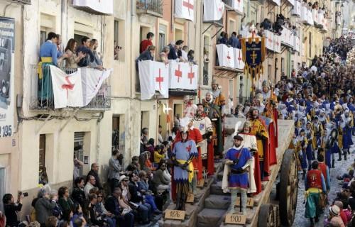 COSTA BLANCA MOROS Y CRISTIANOS carroza llena de historia