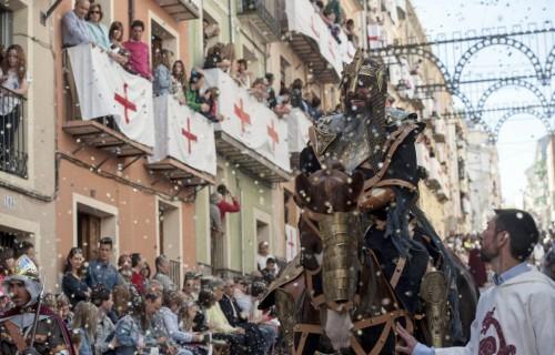 COSTA BLANCA MOROS Y CRISTIANOS cristiano en el desfile
