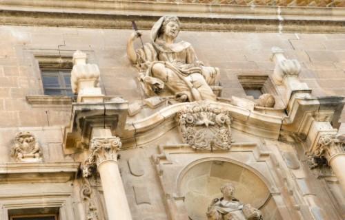 COSTA BLANCA LA VEGA BAJA ORIHUELA Colegio de Santo Domingo Detalle de la fachada