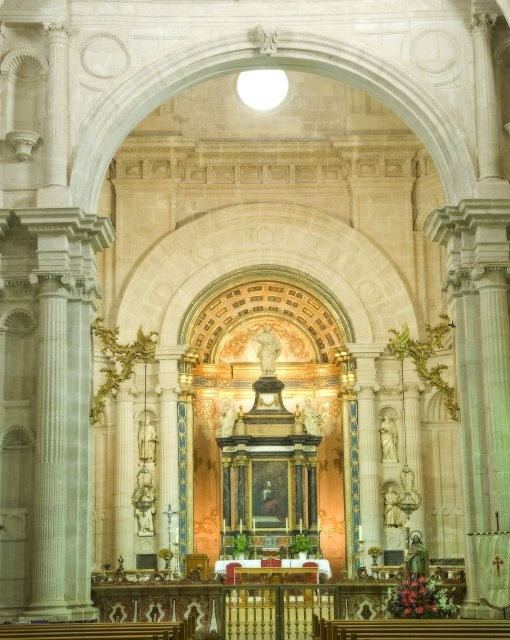 costa blanca orihuela iglesia de santiago interior y altar