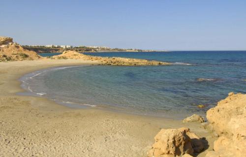costa blanca orihuela playa flamenco orilla cala penas soleada